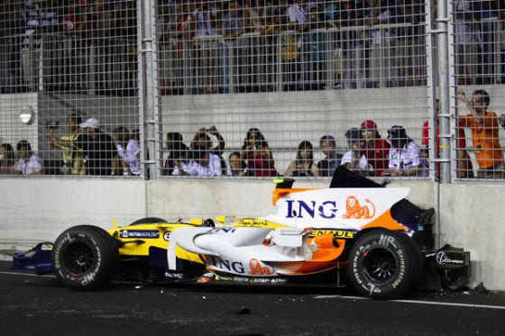 Nelson Piquet jr. crasht beim GP Singapur 2008
