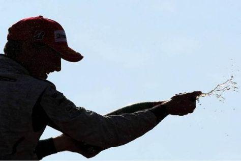 Jubelstimmung bei Jenson Button: In Monza gab's endlich wieder Champagner