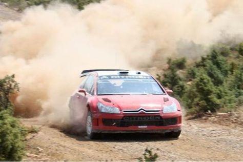 Petter Solberg beim Testen mit seinem neuen Auto, dem Citroen C4 WRC