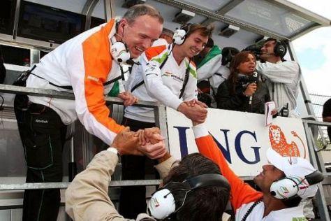 Aufstieg: Simon Roberts nahm in Belgien und Italien viele Gratulationen entgegen
