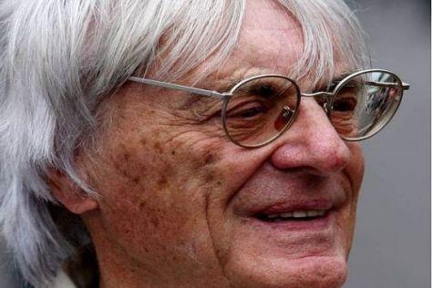 Bernie Ecclestone hat am Wechsel von Fernando Alonso seine helle Freude