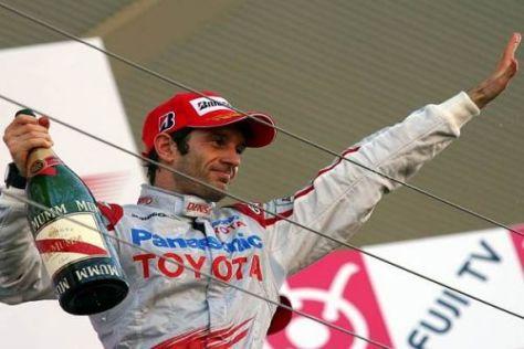 Jarno Trulli jubelt über das vierte Podium des Toyota-Teams in diesem Jahr
