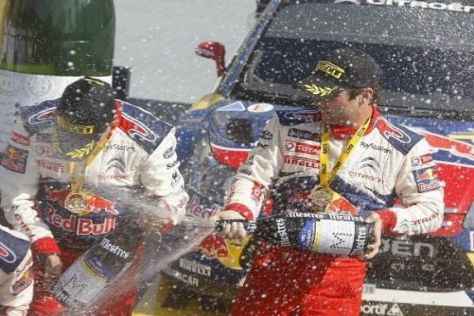 Daniel Elena und Sébastien Loeb durften wieder einmal Champagner spritzen