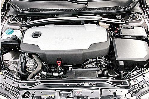 Der Fünfzylinder im Volvo arbeitet lauter als der Audi-Diesel.