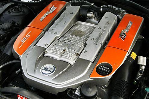 Der Motor leistet 640 PS und jubelt satte 1150 Nm auf den Kurbeltrieb.