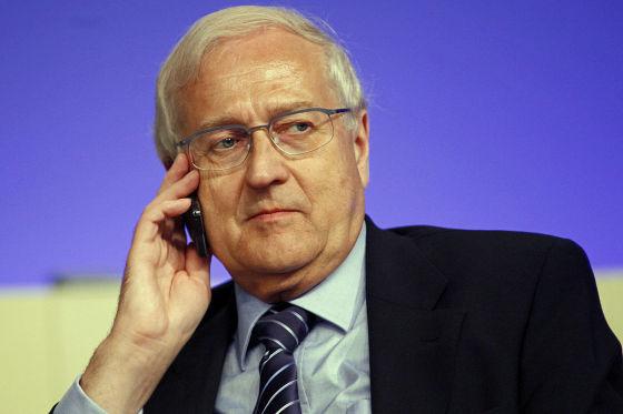 Der ehemalige rheinland-pfälzische Verkehrsminister Rainer Brüderle (FDP) hat als einziger Kandidat Erfahrung in der Thematik.