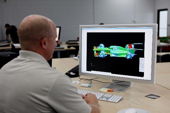 Designbüro: Am Computer wird das Auto von USF1 konstruiert.