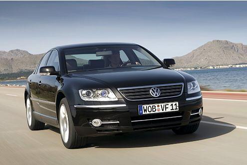Neuer Motor, frische Extras: der Phaeton, Modelljahr 2007.