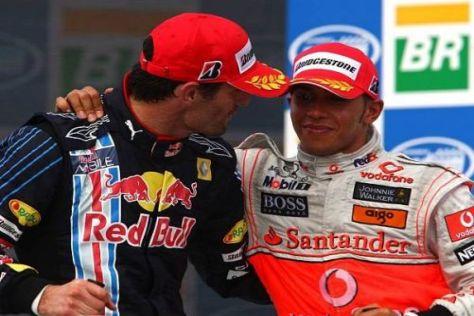 Lewis Hamilton kletterte zu Sieger Mark Webber auf das Podium
