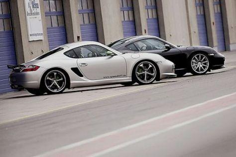 Zwei getunte Porsche Cayman im Test