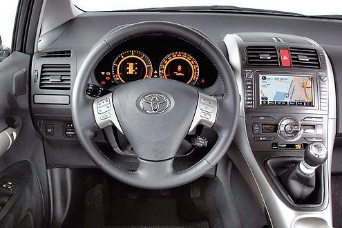 Bei der Gestaltung des Cockpits hat sich Toyota Mühe gegeben.