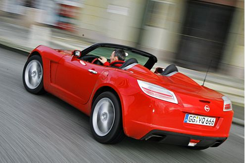 Dynamiker: Der Opel geht subjektiv besser ums Eck.