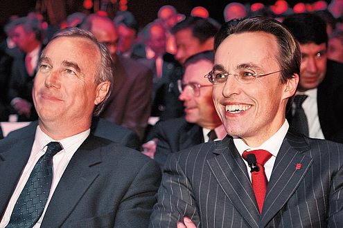 Volvo-Chef Frederik Arp (l.) mit Axel Springer-Vorstand Dr. Andreas Wiele.