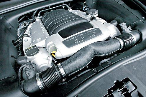4,8-Liter-V8: In 6,8 Sekunden ist der Cayenne auf Tempo 100.