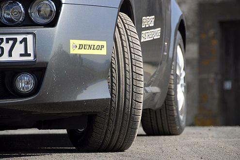 """""""SP Sport Fastresponse"""" nennt Dunlop seinen neuen Reifen mit dem charakteristischen Profildesign. Ziel ..."""