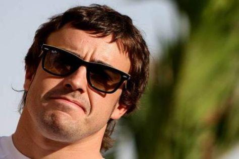 Letzter Renault-Einsatz: Alonso wird schon bald rote Ferrari-Kleidung anziehen