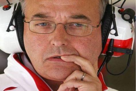 John Howett weiß noch nicht, welche Piloten 2010 für ihn fahren werden