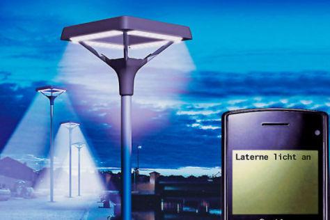 Straßenbeleuchtung mit Handy