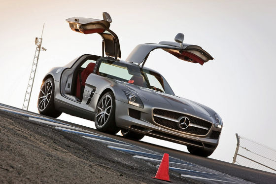 Mercedes SLS AMG in Laguna Seca USA