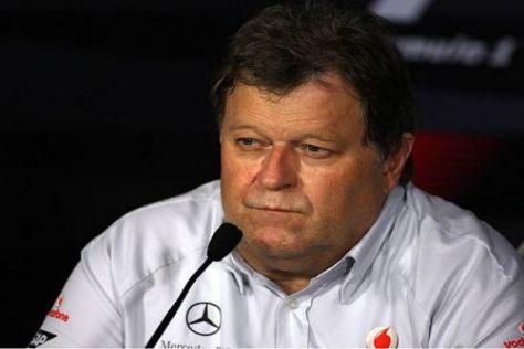 Sportchef Norbert Haug sagt nichts Konkretes über die Schumacher-Gerüchte
