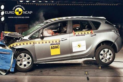 Opel Astra mit fünf Sternen im Euro-NCAP-Crashtest