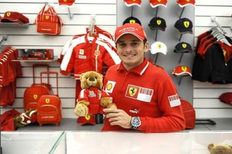 Ferrari-Pilot Giancarlo Fisichella eröffnete gestern die Motorshow in Bologna