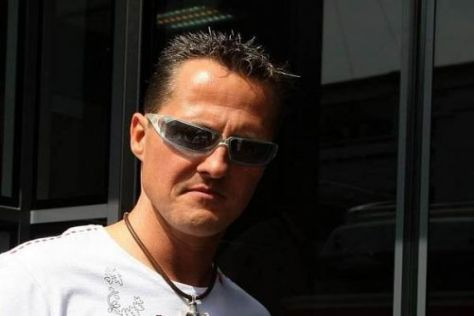 Steigt Michael Schumacher in der neuen Saison wieder in ein Formel-1-Fahrzeug?