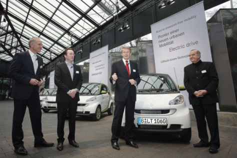 Übergabe Smart electric drive in Berlin