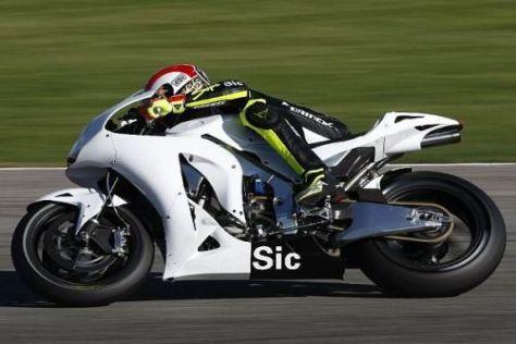 Marco Simoncelli kann in Sepang gleich auf zwei RC211V-Maschinen zurückgreifen