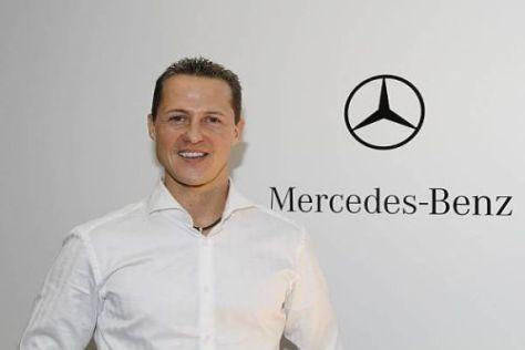 Endlich Mercedes: Michael Schumacher strahlt mit dem Stern um die Wette