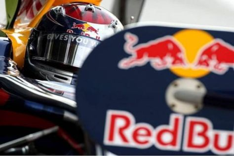 Das für 2010 geplante Nachtankverbot beschäftigt Sebastian Vettel