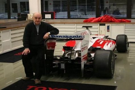Zoran Stefanovic bei einem seiner Besuche in der Toyota-Fabrik in Köln