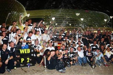 Happy End trotz Silbermedaille: Red Bull feiert den Sieg beim Saisonfinale