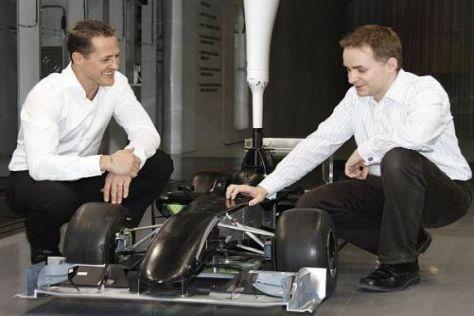 Bald wird Rückkehrer Michael Schumacher wieder richtig Gas geben müssen