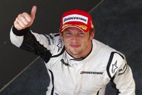 Daumen hoch für die neue Saison: Jenson Button ist hochmotiviert und gespannt...