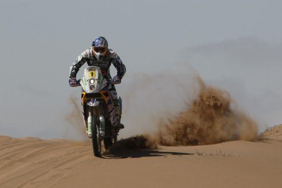Kampf um Sekunden: Die beiden KTM-Piloten Marc Coma (Foto) und Cyril Despres schenkten sich in der Wüste nichts.