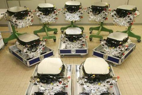 Kurz vor der Auslieferung: Die ersten Cosworth CA2010 sind fertig verpackt