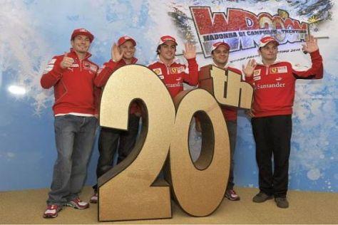 Die Ducati-MotoGP-Stars vertreiben sich in Madonna mit den Ferrari-Piloten die Zeit