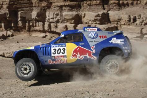 Endlich am Ziel: Im vierten Anlauf gewinnt Carlos Sainz die Rallye Dakar auf VW Race Touareg