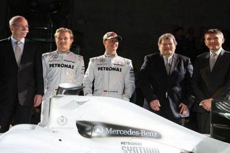 Ein Brite unter Deutschen: Nick Fry (r.) und die neue Mercedes-Mannschaft