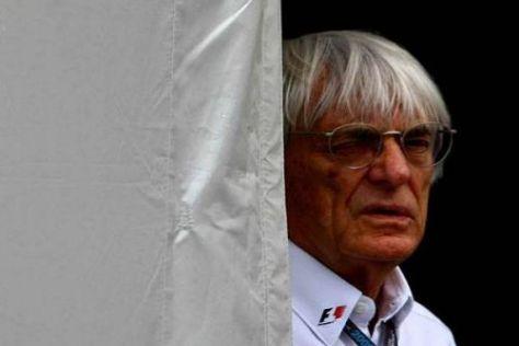 Wie immer: Bernie Ecclestone dreht im Hintergrund am großen Rad der Formel 1