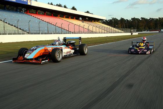 Superkart gegen Formel 3