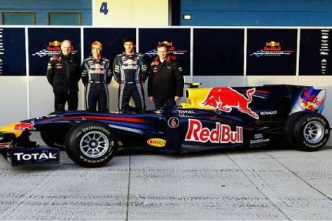 Christian Horner und seine Mannschaft sind nun unterwegs auf der Teststrecke