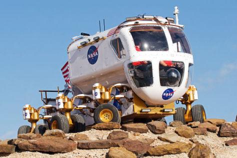 Unterwegs im Mondauto