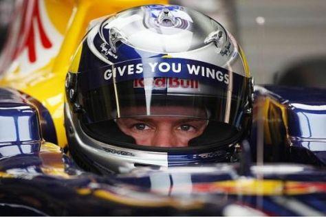 Sebastian Vettel nahm am Freitag zum ersten Mal im neuen Red Bull RB6 Platz