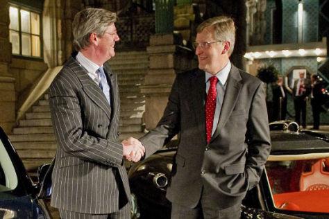 Victor Muller (li.) Chef von Spyker Cars und Jan-Ake Jonsson Saab Automobile CEO