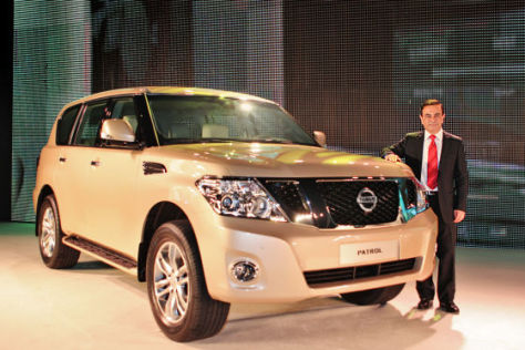 Carlos Ghosn mit dem neuen Nissan Patrol