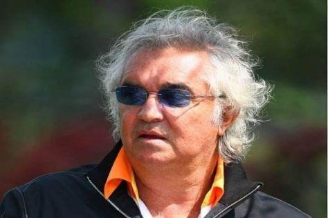 Flavio Briatore ist gespannt darauf, wer bei Ferrari teamintern das Rennen macht