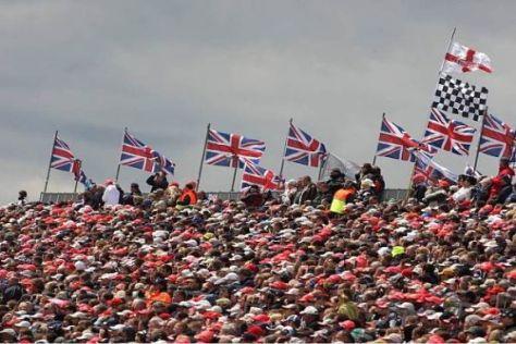 Die britischen Fans pilgern alljährlich zu Tausenden an den Silverstone-Kurs