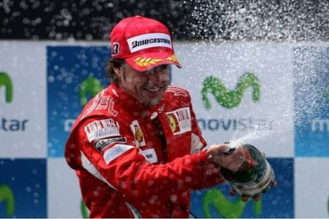 Fernando Alonso liegt in der Meisterschaft nur noch drei Punkte hinter Jenson Button
